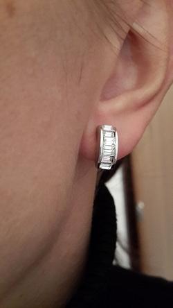 Отдается в дар «Клипсы Christian Dior — серебристые»