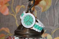 Отдается в дар «Часы женские Geneva»