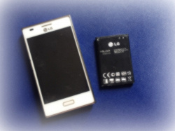 Отдается в дар «Батарейка на LG E612»