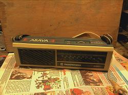 Отдается в дар «Радиоприёмник и стабилизатор»