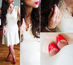 Отдается в дар «Платье бежевое размер 40-42»
