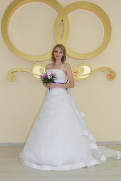 Отдается в дар «Новое свадебное платье (Скай)»