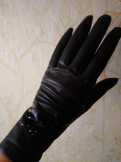 Отдается в дар «Женские тонкие кожаные перчатки.»