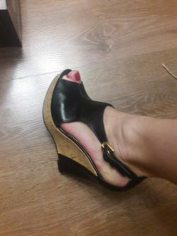 Отдается в дар «Обувь женская (37 размер)»