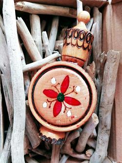 Отдается в дар «Флакон деревянный»