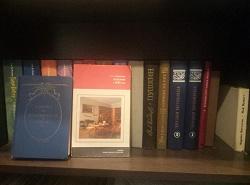 Отдается в дар «книги для литературоведов, историков, искусствоведов»