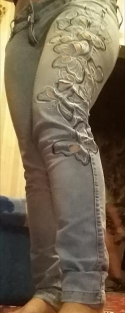 Отдается в дар «Джинсы голубые летние женские 44 размер»