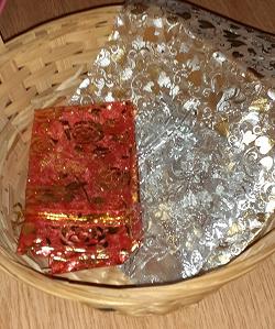 Отдается в дар «Корзина и мешочки для украшений»