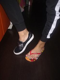 Отдается в дар «Женская обувь 38 размер»