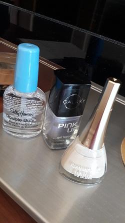 Отдается в дар «Лаки для ногтей»