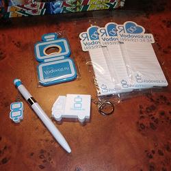 Отдается в дар «Набор сувенирной продукции – блокноты, ручка, брелок-рулетка, открывашка»