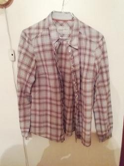 Отдается в дар «Рубашка женская 44-46 р-ра»