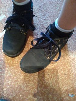 Отдается в дар «Детские ботинки (10-11 лет)»