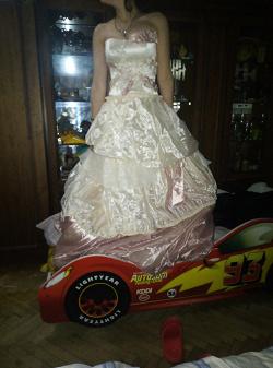 Отдается в дар «Свадебное платье»