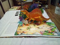 Отдается в дар «Книга про драконов и динозавров»