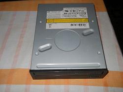 Отдается в дар «CD и DVD приводы на интерфейс IDE»