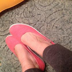 Отдается в дар «обувь женская 39+»