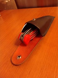 Отдается в дар «Кобура от складного столового прибора»