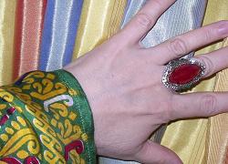 Отдается в дар «перстень Великолепный век 18»