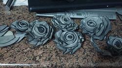 Отдается в дар «Декор: цветы и лепестки из кожи»