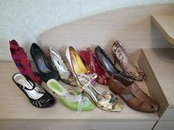 Отдается в дар «Женская обувь 39-40 размер.»