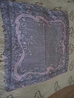 Отдается в дар «Красивый шейный платок»