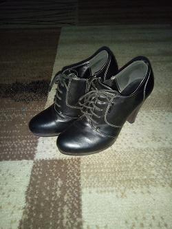 Отдается в дар «Полусапожки, женская обувь»