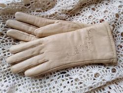 Отдается в дар «Перчатки женские кожаные»