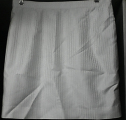 Отдается в дар «Белая юбка, 46-48 размер»
