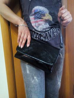 Отдается в дар «Клатч черный»