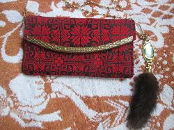 Отдается в дар «Новая красная сумочка клатч — выйдешь во двор и не нужен пугач (:»