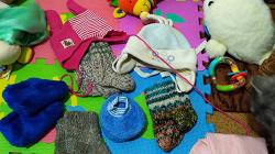 Отдается в дар «Шапочки и тёплые носочки»