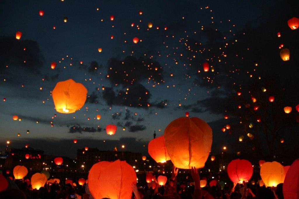 вопрос, особенно шарики в небо ночью фото есть обязательно