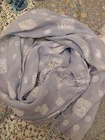 Отдается в дар голубой шарф-палантин с кистями