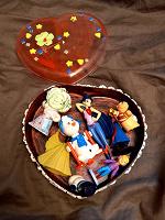 Отдается в дар Шкатулка с игрушками для девочки