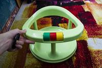 Отдается в дар Детский стульчик для кормления и купания