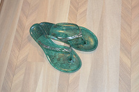Отдается в дар Летняя пляжна обувь