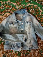 Отдается в дар Джинсовая куртка.