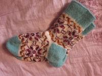 Отдается в дар Носки шерстяные, размер 22 (на 35 размер обуви)