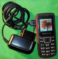 Отдается в дар Кнопочный вынтажЪ (27) Сотовый телефон «Samsung E1100T» б/у