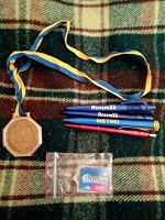 Отдается в дар В коллекцию медаль, брелок, ручки.