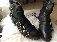 Отдается в дар Ботинки женские кожаные с пряжками
