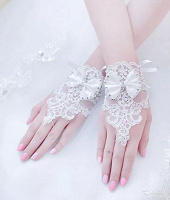 Отдается в дар Перчатки митенки свадебные