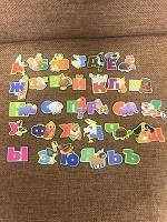 Отдается в дар Буквы и цифры магнитные, карточки с буквами