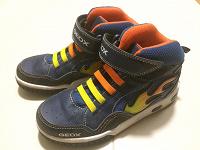 Отдается в дар Детские ботинки GEOX размер 34