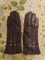 Отдается в дар Перчатки женские кожаные