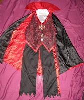 Отдается в дар Костюм графа Дракулы.