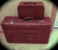 Отдается в дар Два ретро чемоданчика