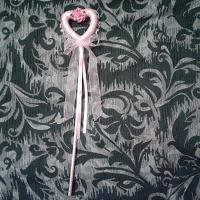 Отдается в дар дарю волшебную палочку для маленькой девочки.