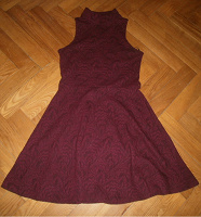 Отдается в дар Бордовое мини-платье